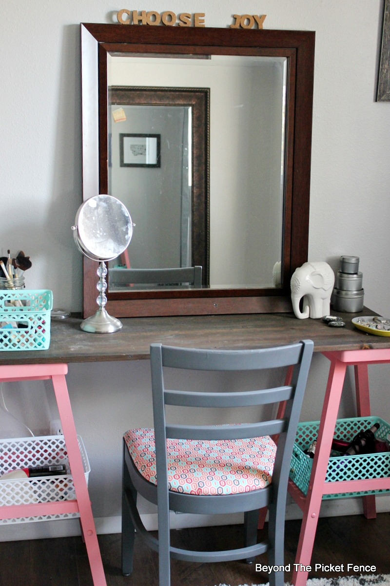 Beyond The Picket Fence Teen Attic Bedroom An Easy Vanity