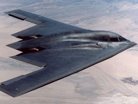 http://2.bp.blogspot.com/-UuvmCKG7Tdg/TY3ekA9qteI/AAAAAAAAAQE/tYuQntJ3ltY/s1600/pesawat%2Bsiluman.jpg