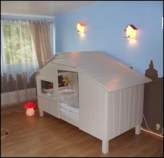 zelles f minin chambre d 39 enfant ma cabane sous les nichoirs. Black Bedroom Furniture Sets. Home Design Ideas
