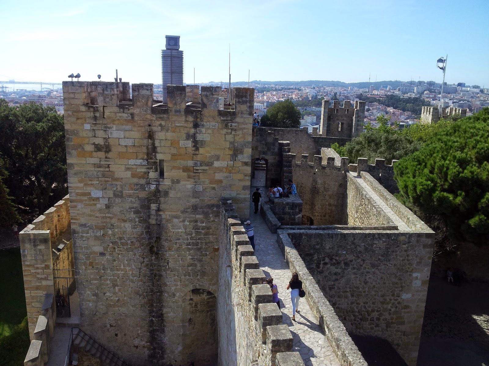 Castelo de São Jorge, Lisboa, Portugal - De Mochila pela Europa! - Viviane Rodrigues