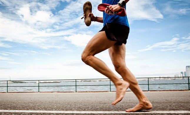 Manfaat Lari Pagi Tanpa Alas Kaki