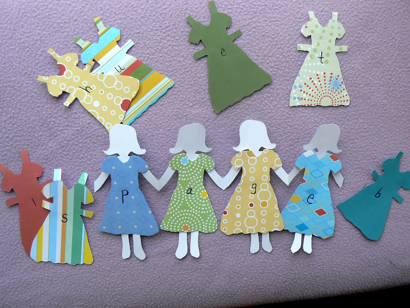 Paper Doll Chain How To -family-paper-dolls.html