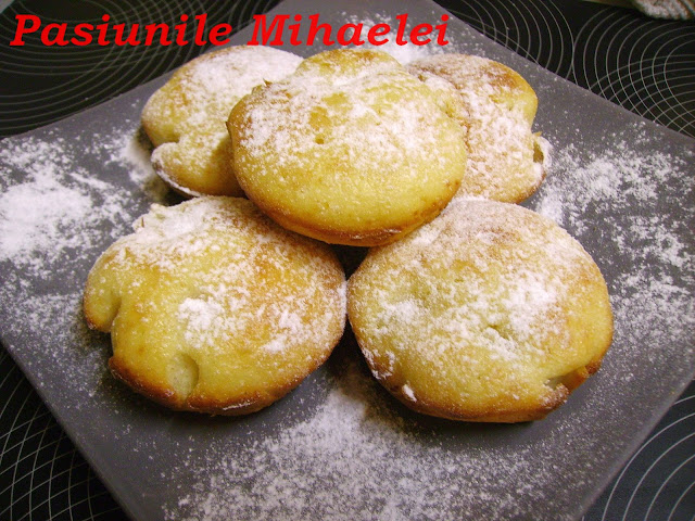 Muffins cu  rom si ananas