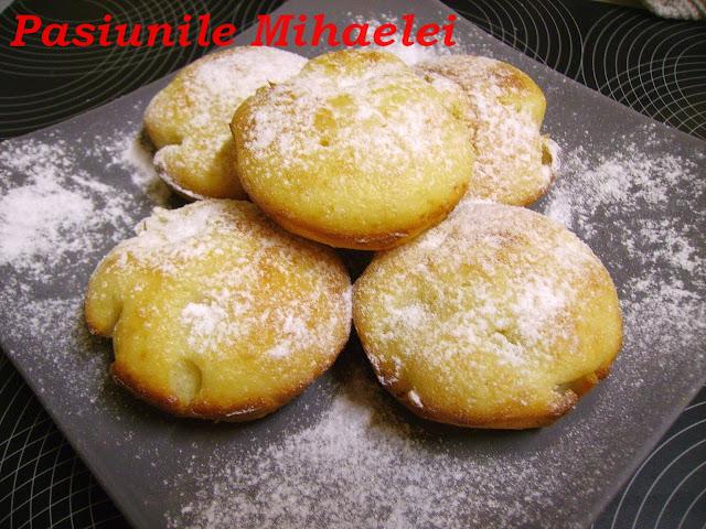 Muffins cu  rom si ananas
