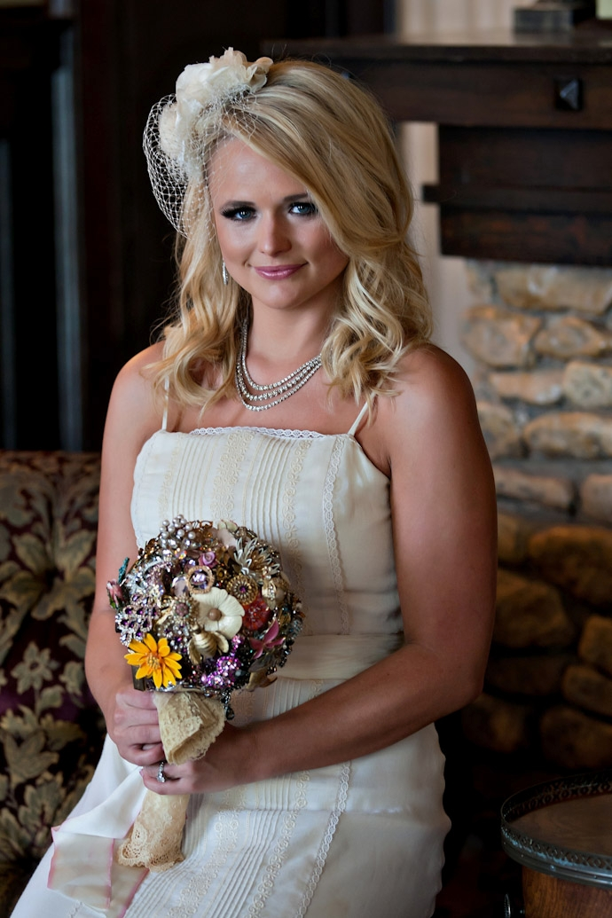 Country Singer Miranda Lambert Had An Event Like This When She Married Blake Shelton In May Of 2017 All The Brooches Were Incorporated Into Her