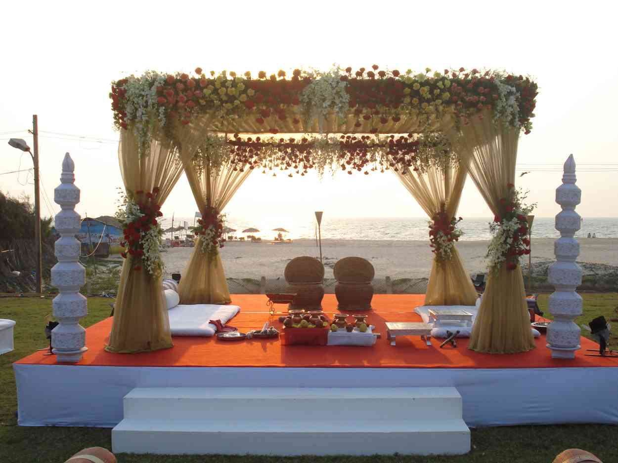 Indian wedding decor romantic decoration for Decoration 4 wedding