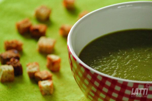 Rode bietenblad soep