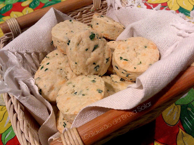 Pãezinhos rápidos de queijo