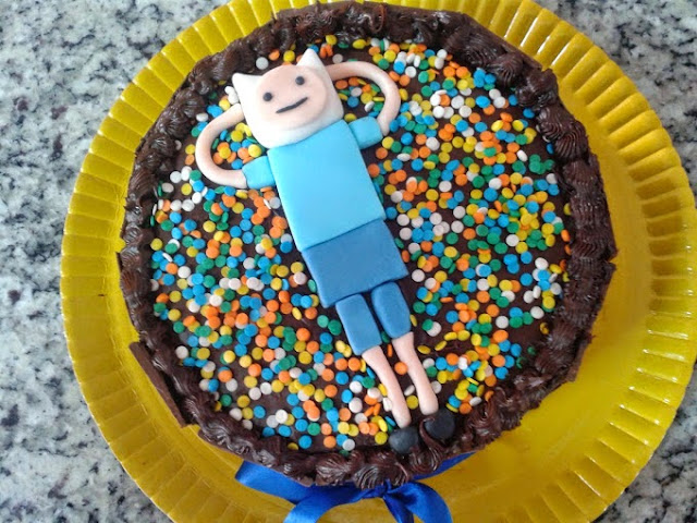 http://cupcakesbabi.blogspot.com.br/2014/04/bolo-hora-de-aventura.html