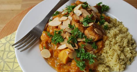 Chicken tagine with apricots and almonds recipe