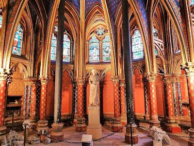 Sainte Chapelle: capela inferior para os domésticos do Palacio real.