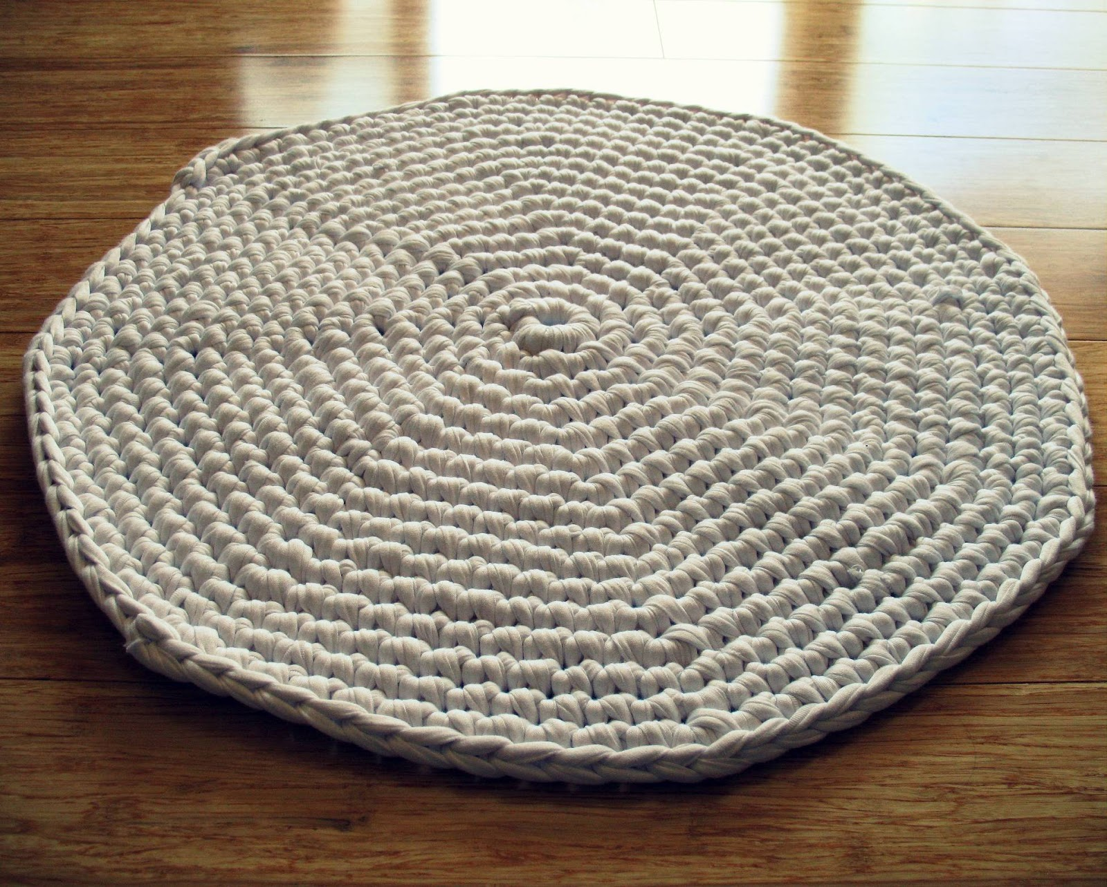 Delightful Eclectic Me Crochet Bath Mat Loopy Neck Wrap