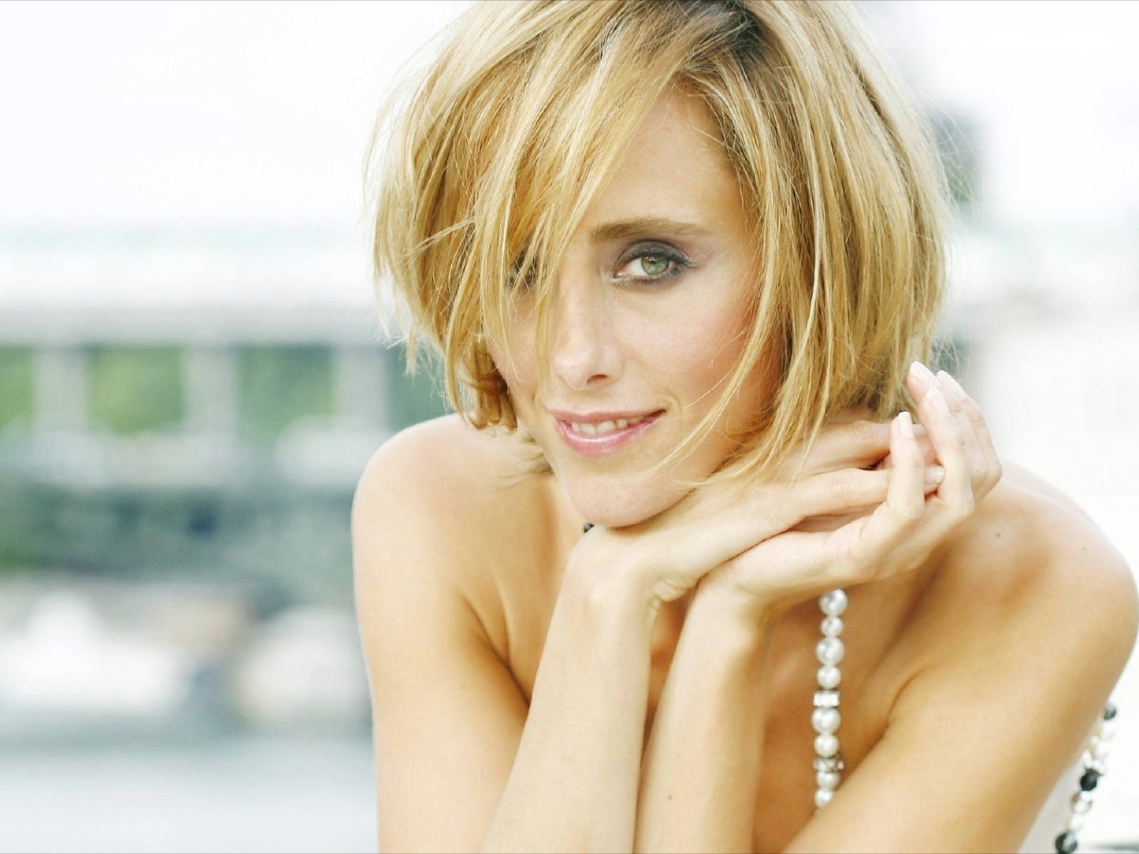 Kim Raver 0036 1600x1200 Wallpaper Sexy wife naked free milf blog There is nothing hotter than a sexy business ...