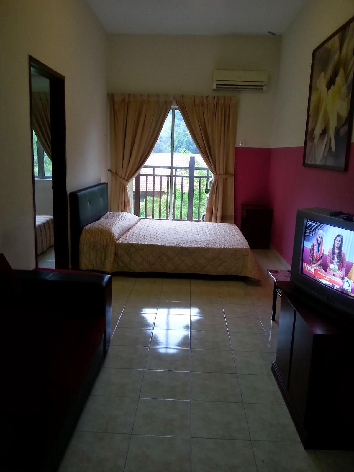 2 katil besar(bilik dan ruang tamu) RM 140!! promosi