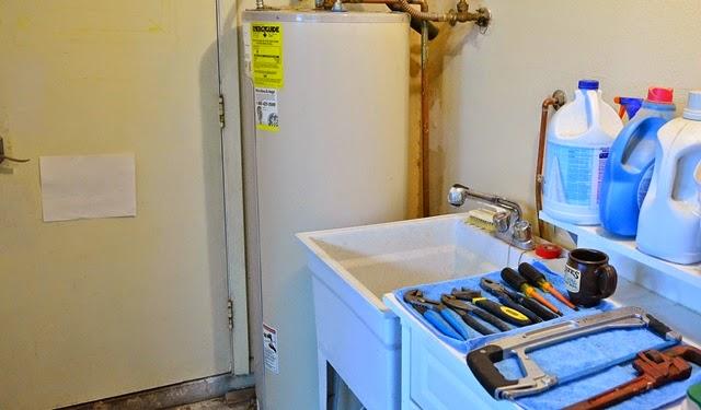 A cornucopia of plumbing tools (c) AZ DIY Guy
