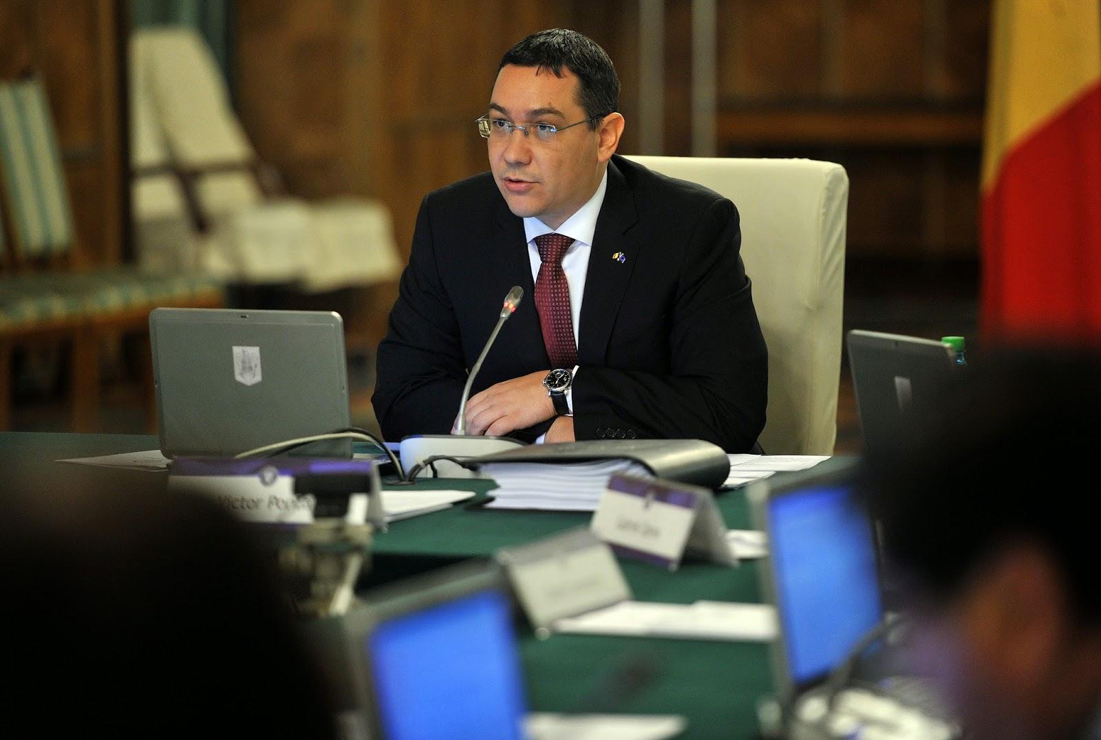 Victor Pițurcă, Traian Băsescu, Klaus Johannis, román kormány, Ponta-kormány, SZDP, románia, politika,