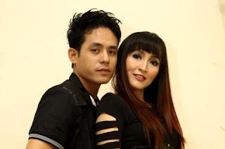 Indah Sari ft. Izzy - Pacar BBM