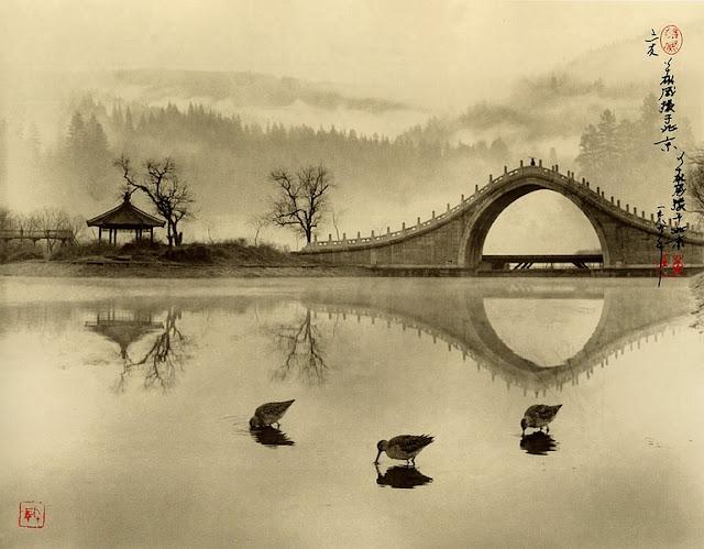 Fotografía de Don Hong Oai: lago y puente