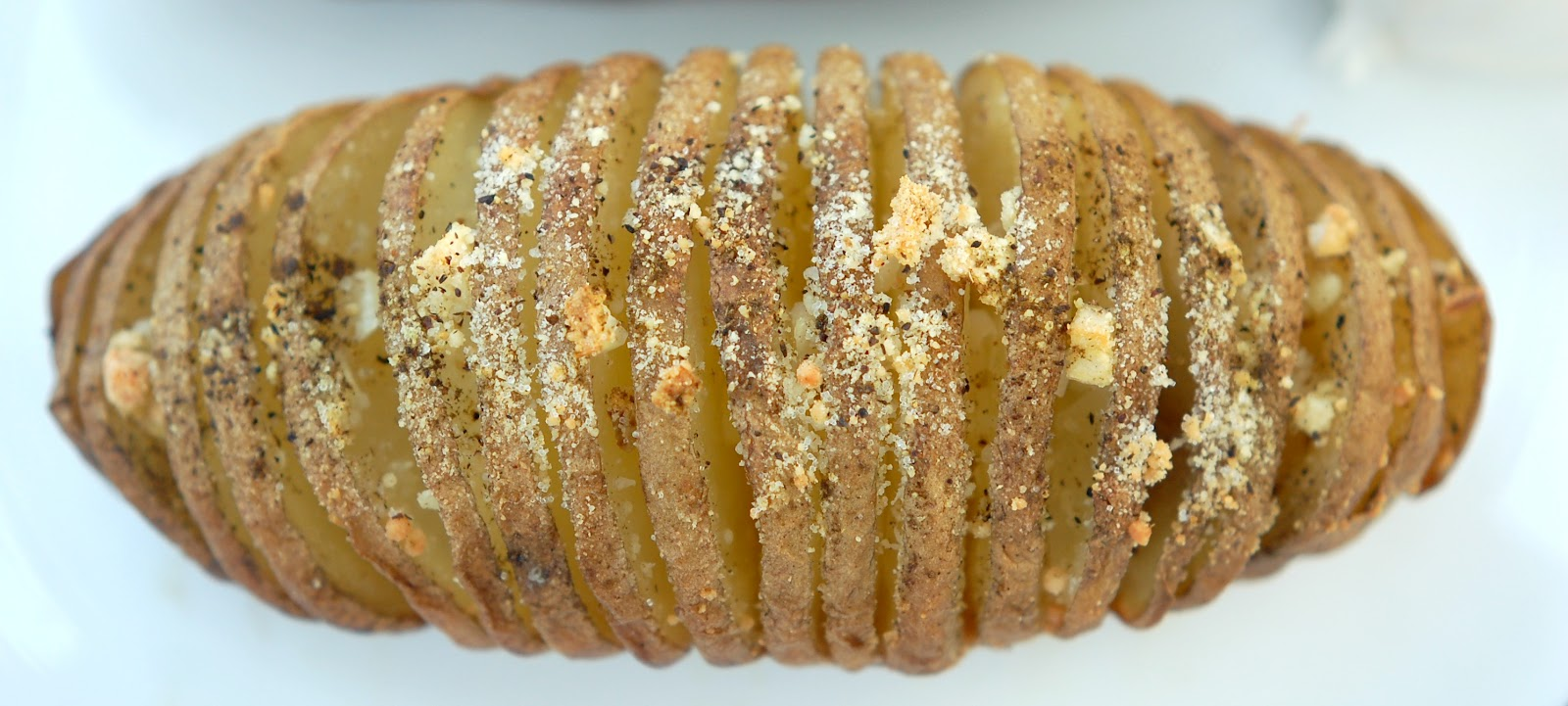 potatoes hasselback potatoes with parmesan and roasted garlic recept ...