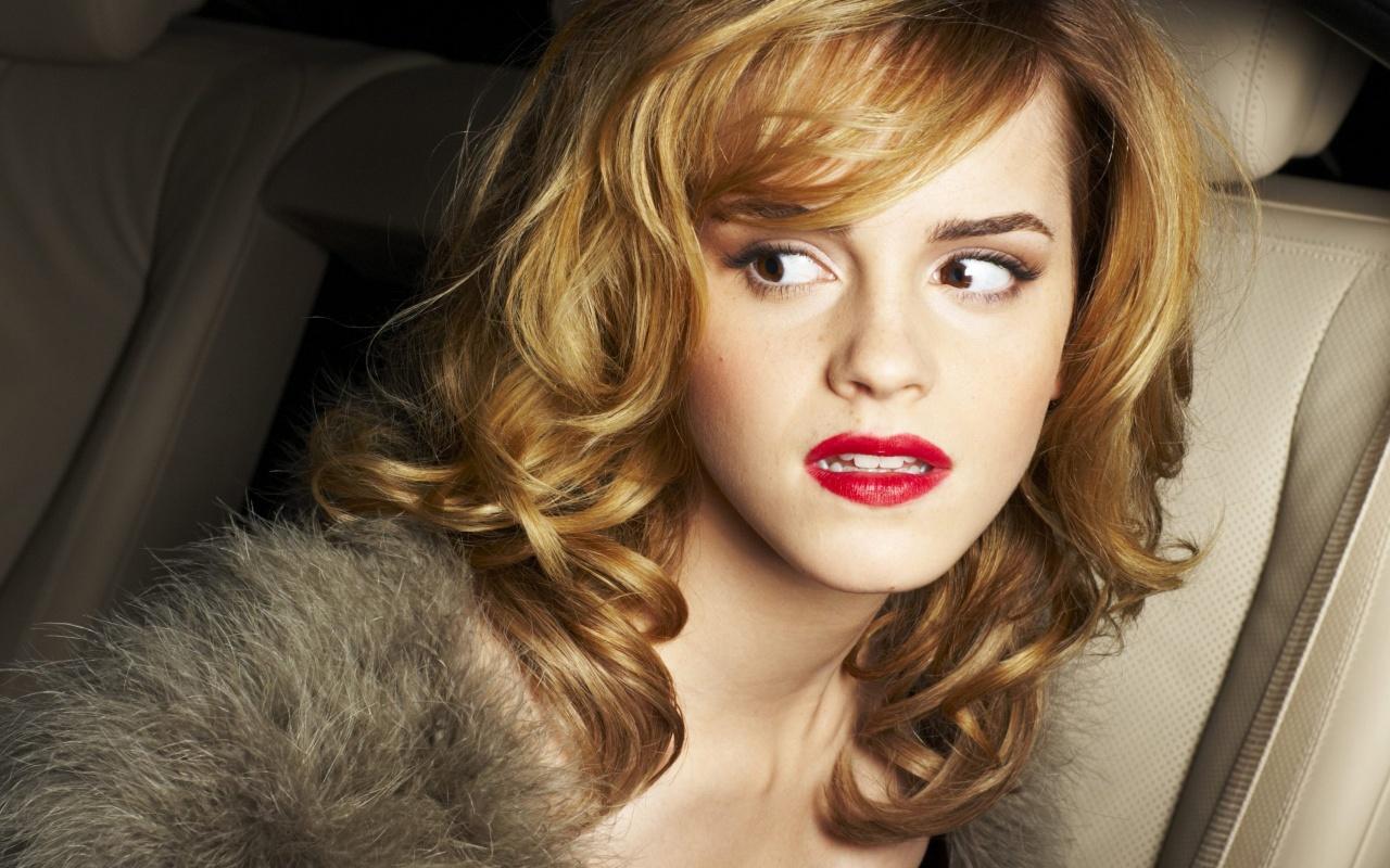 http://2.bp.blogspot.com/-UxZ_a9-28mo/Tt211i94zFI/AAAAAAAABFk/qhwpSQ5bCc8/s1600/Emma+Watson+Beautiful+wallpaper+9.jpg