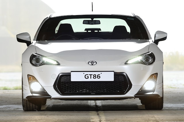 http://2.bp.blogspot.com/-UxaIMqcuGu4/Ug-Ws1dD6dI/AAAAAAAAATo/DrVd-WEd9Ow/s1600/Review-Price-2014-Toyota-GT86-TRD-Front-View.jpg