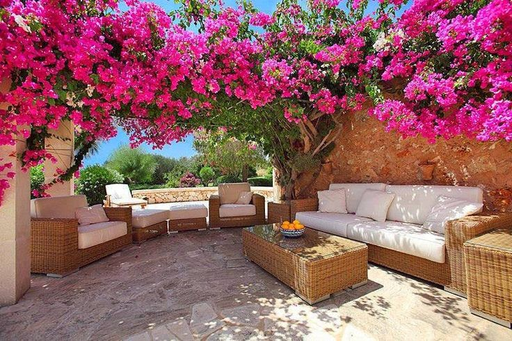 Muebles y decoraci n de interiores hermosos jardines - Casas con jardines bonitos ...