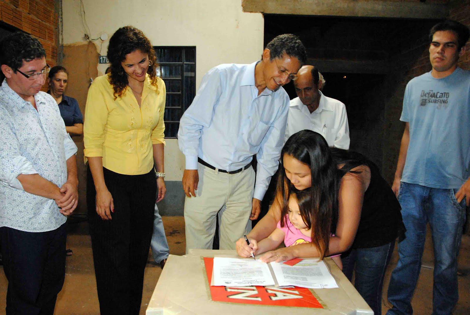 Secretaria Municipal de Educação: Etemp vai ganhar uma nova escola  #8B7C40 1600 1071