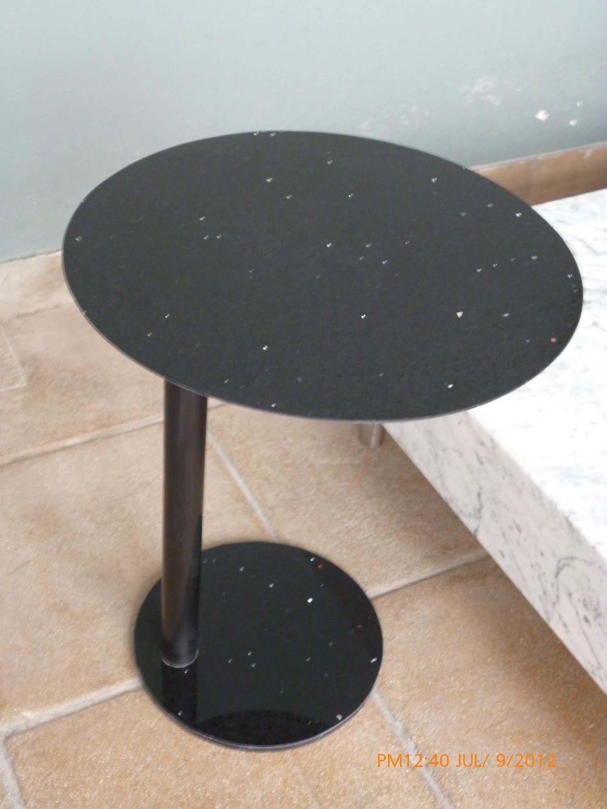 Piedra marmol granito y cuarzo mesas y tablas de picar for Mesas de marmol y granito