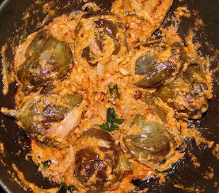 Guthi vankaya koora / nune vankaya koora / brinjal ground nut curry - Andhra style