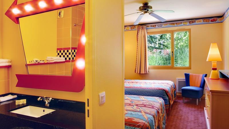 habitaciones familiares del hotel santa fe en disneyland