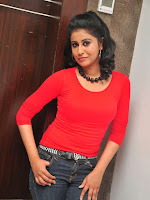 Anjana Menon stylish photos gallery-cover-photo