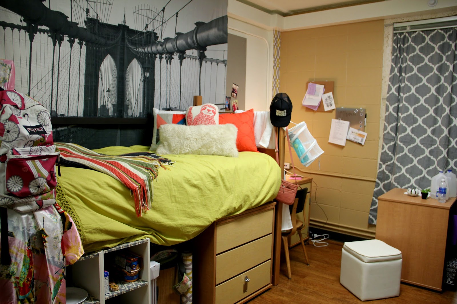 Things To Keep Things In Dorm Room Smelling Good