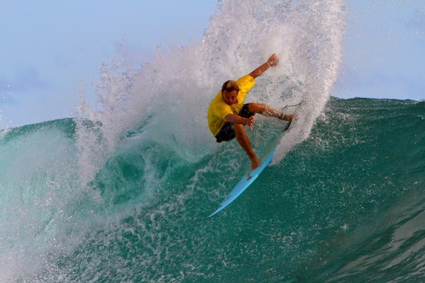 Croisière de surf à bord du Sama Sama - www.piratesbaycroisiere.com