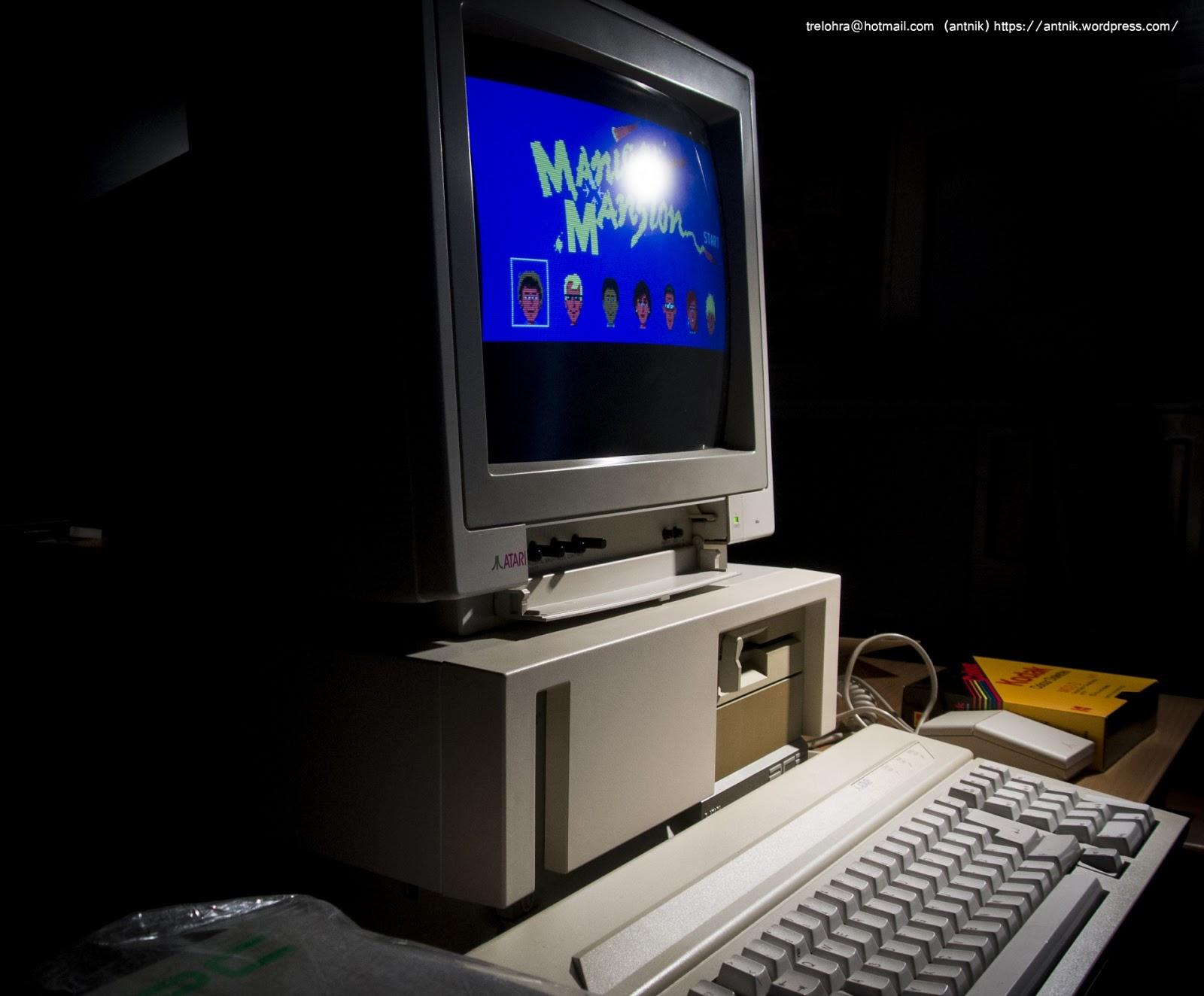 Atari 83 Key XT P C  Keyboard Atari