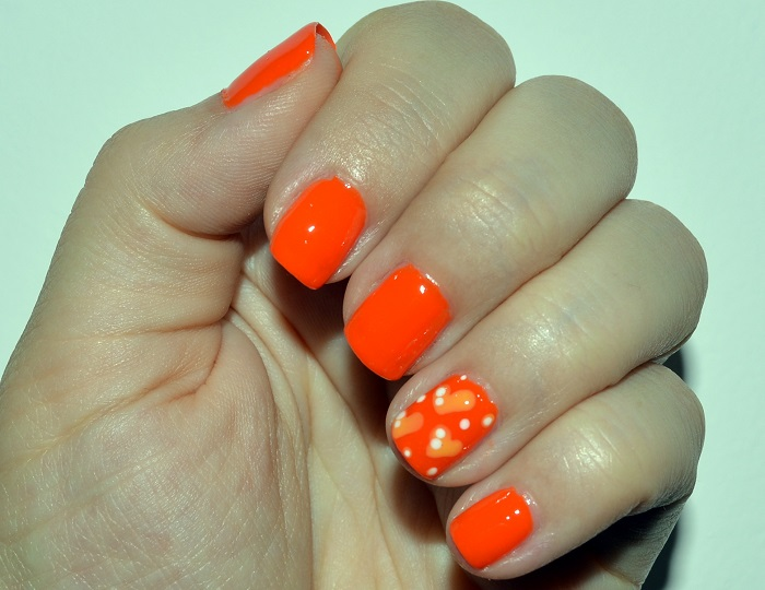 #beauty, #beauty, nails, diy nails, nail art, nail design, natural nails, orange nails, nails with hearts
