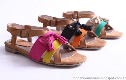 Heyas verano 2013. Moda sandalias chatitas.