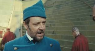Russell Crowe Javert Les Misérables 2012 movieloversreviews.blogspot.com