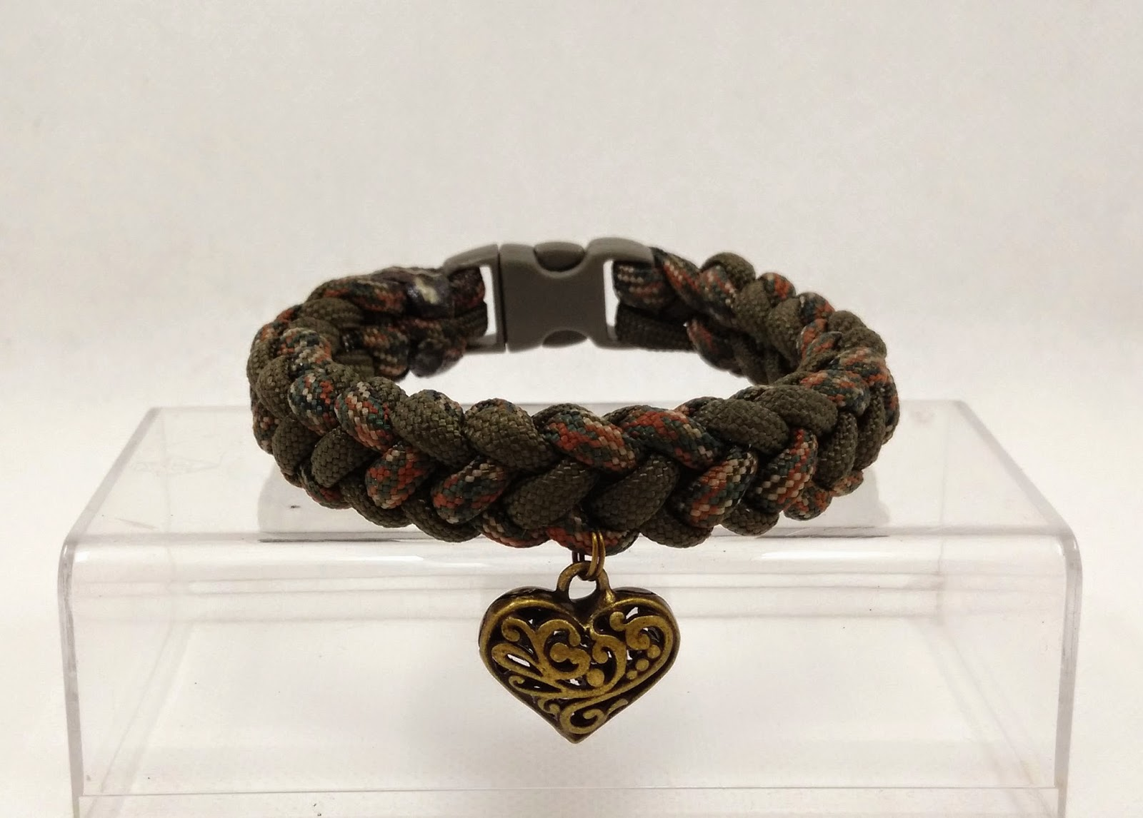 Coyote Trail Paracord Survival Bracelets with Metallic Charm