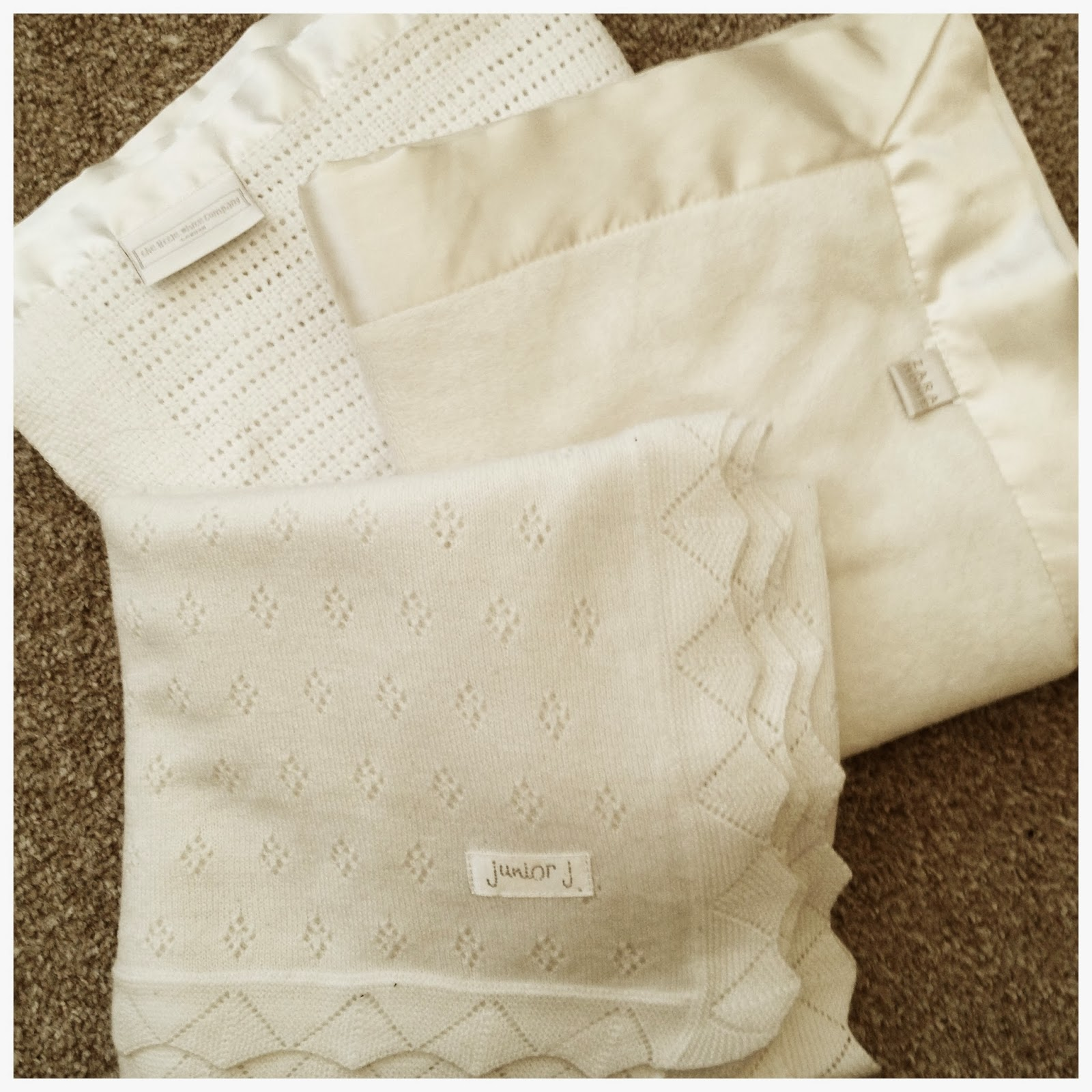 mamasVIB | V. I. BUYS: My 3 favourite baby blankets in classic white, baby blankets | best blankets for nursery | V. I. BASICS | mamasVIB | debenhams | Zara | The Little white company