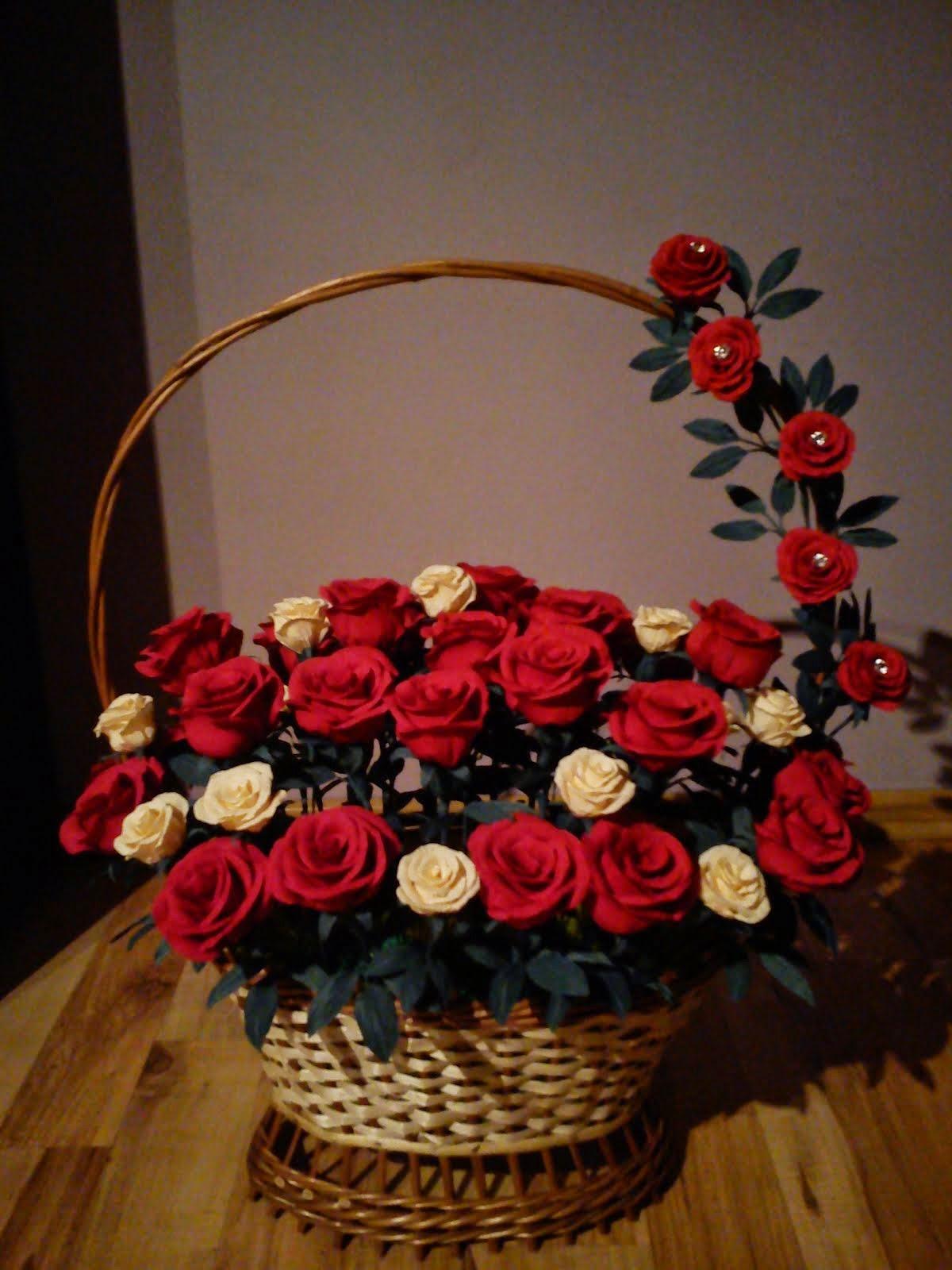 Kosz pełen róż