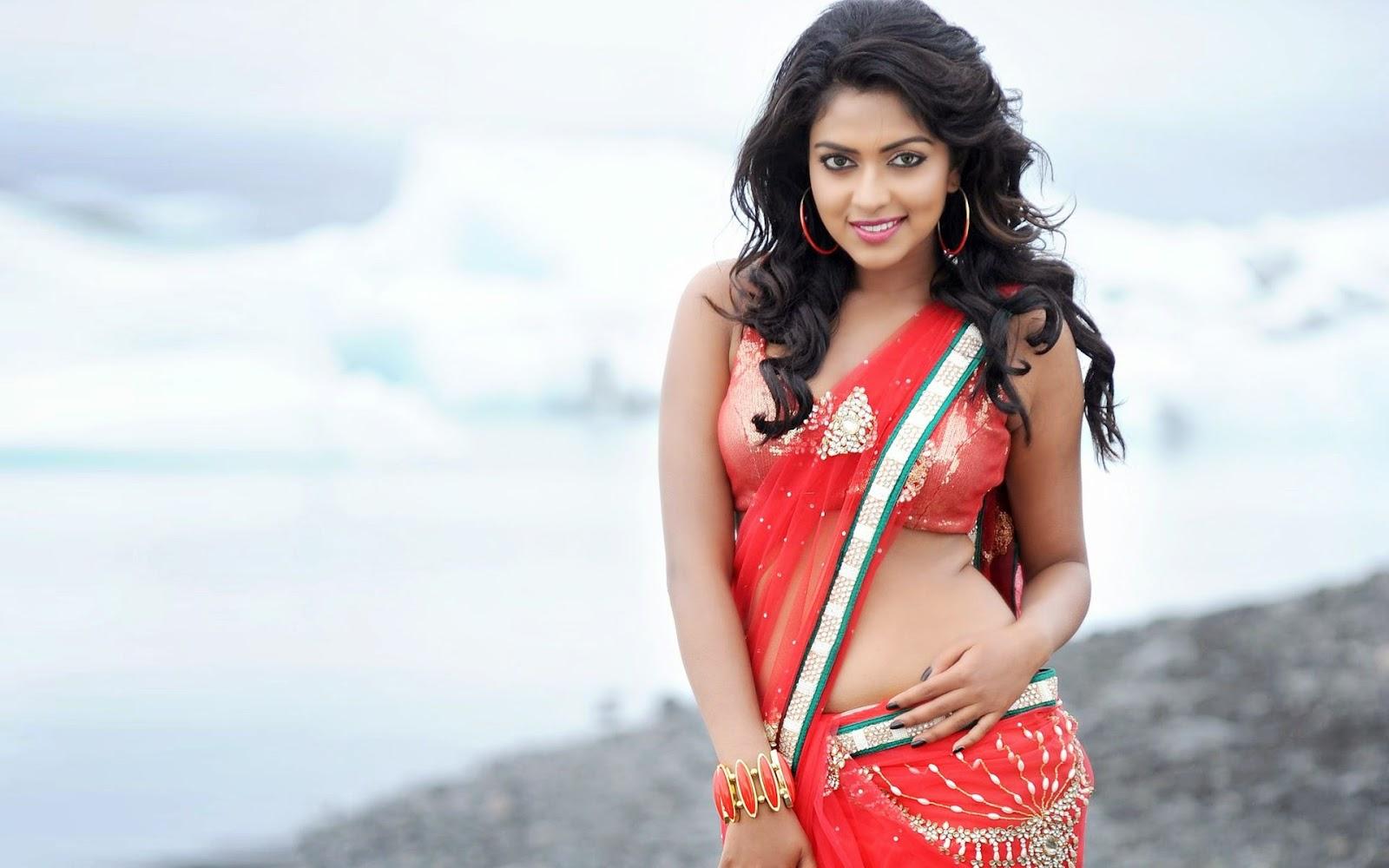 Malayalam actress Amala Paul Navel show
