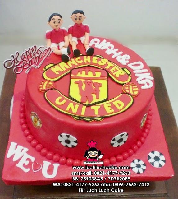 Kue Tart Manchester United Untuk Ayah dan Adik