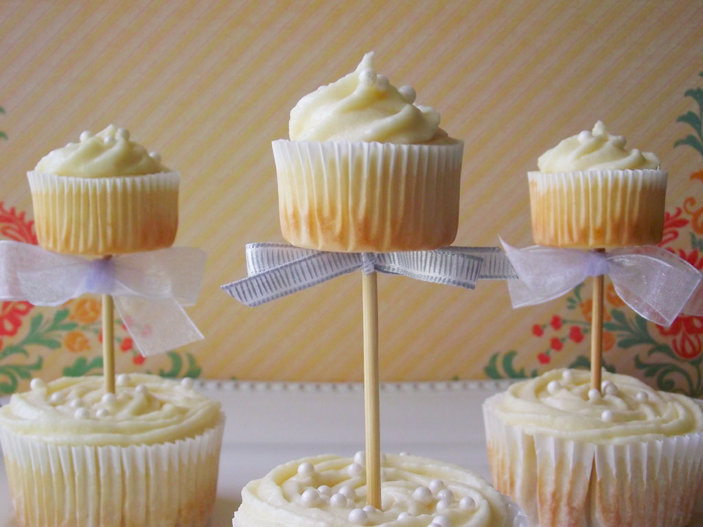 Topiary Cupcakes with Mascarpone Frosting