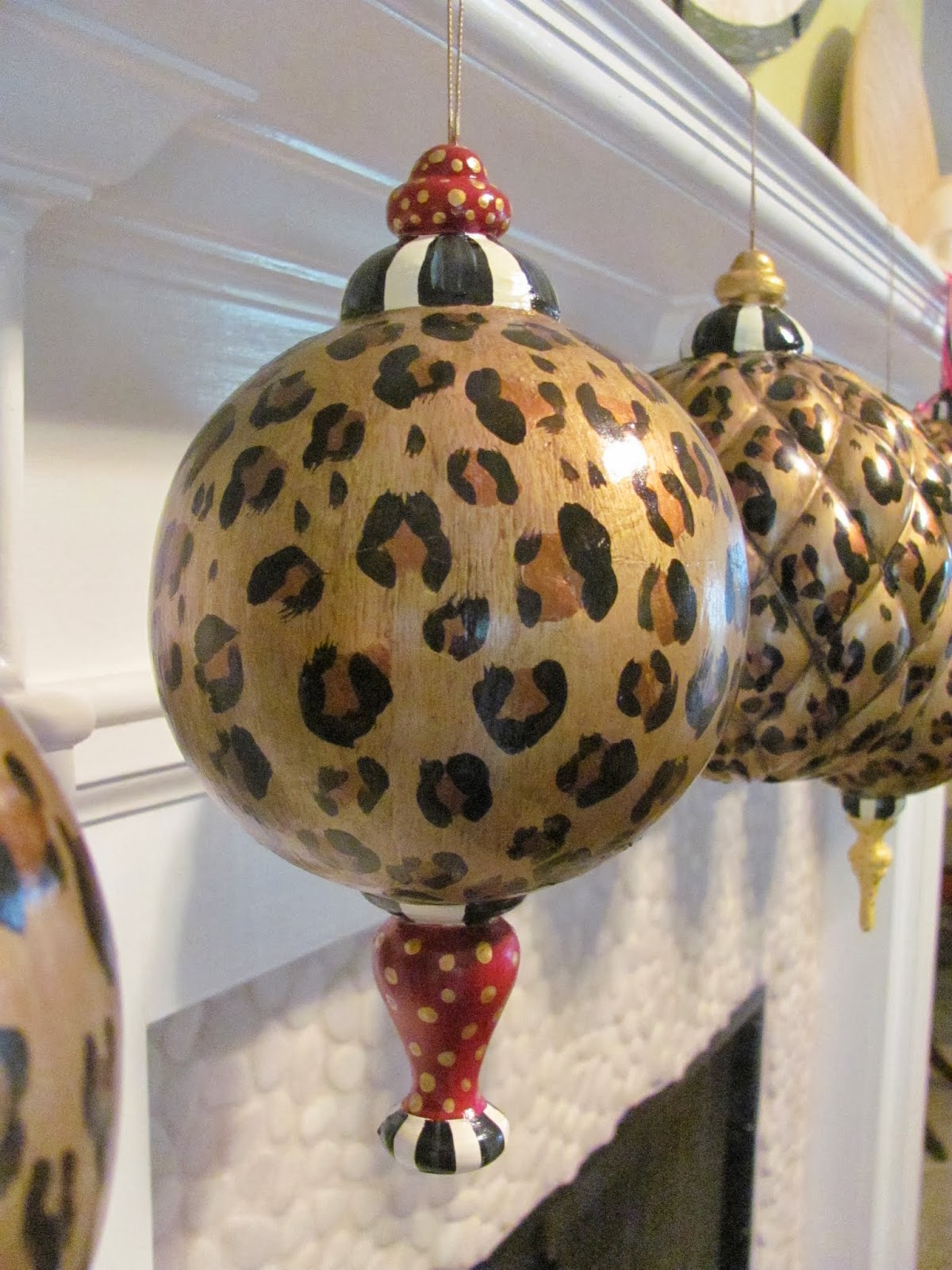 hand painted large leopard finial style ornament