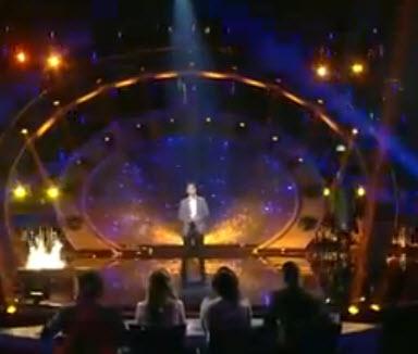 """فيديو: أغنية """"نمشة ونمشة"""" بصوت محمد عساف 14-6-2013 عرب ايدول 2 والتي هي للفنان صابر الرباعي"""