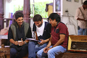 son of sathyamurthy shooting stills-thumbnail-10