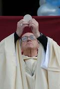 El rector de la Catedral de Buenos Aires, Alejandro Russo, anunció este . bergoglio papa
