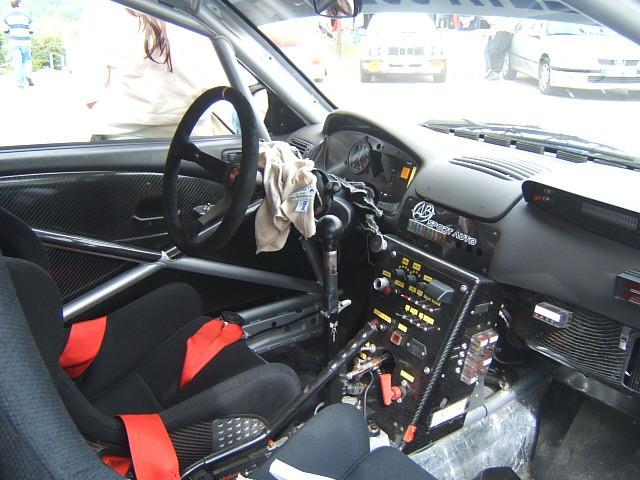 Auto tuning m glichkeit photos interieur v hicule de course for Interieur d une voiture