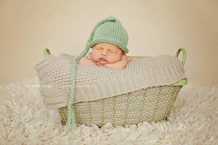 sesja zdjęciowa noworodków, fotograf dziecięcy, fotografia rodzinna, sesje fotograficzne niemowląt, studio milkart