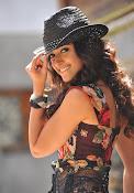 Illeana D'Cruz latest glamorous Photos-thumbnail-8